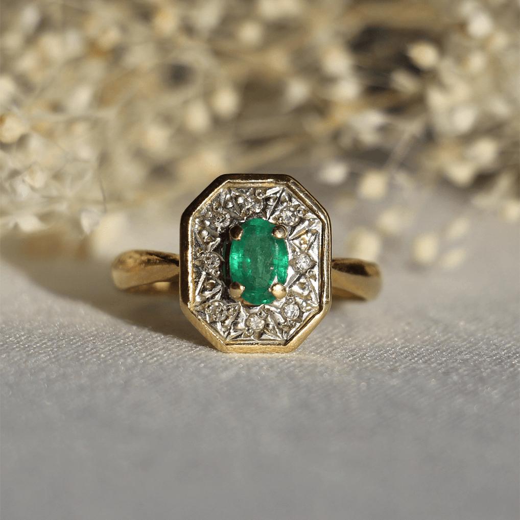or bague vintage emeraude diamant