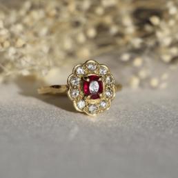 bague marguerite rubis diamant vintage or 18 carats unique fleur